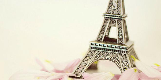 Eiffel-torony virágokból: letölthető sablon