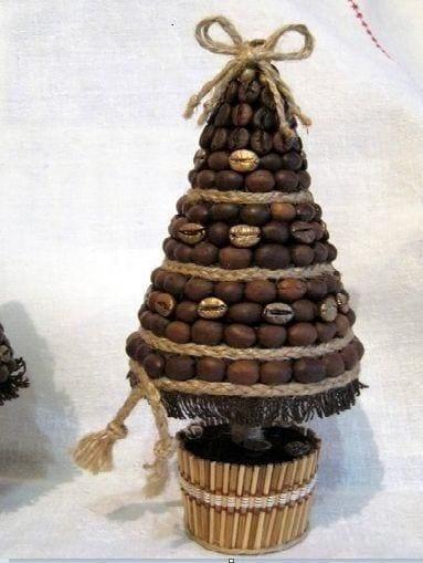 Karácsonyfa kávészemekből